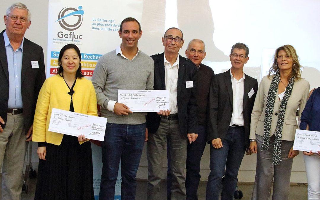 Remise de 79 000 euros à l INSERM et au CNRS