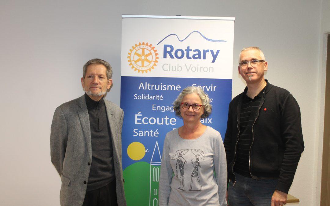 Le Rotary Club de Voiron remet 1000 euros au Gefluc Grenoble